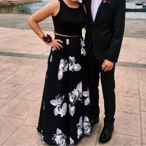 Sequin Hearts prom dress black